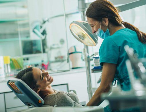 Consultório odontológico: equipamentos, instrumentos e materiais essenciais